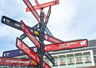 UofI-Stadium-Directional-Signage